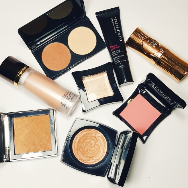 highlighter, blush, bronzer, contouring kit, chanel, travel packing list, travel tips. makeup packing list, holiday makeup