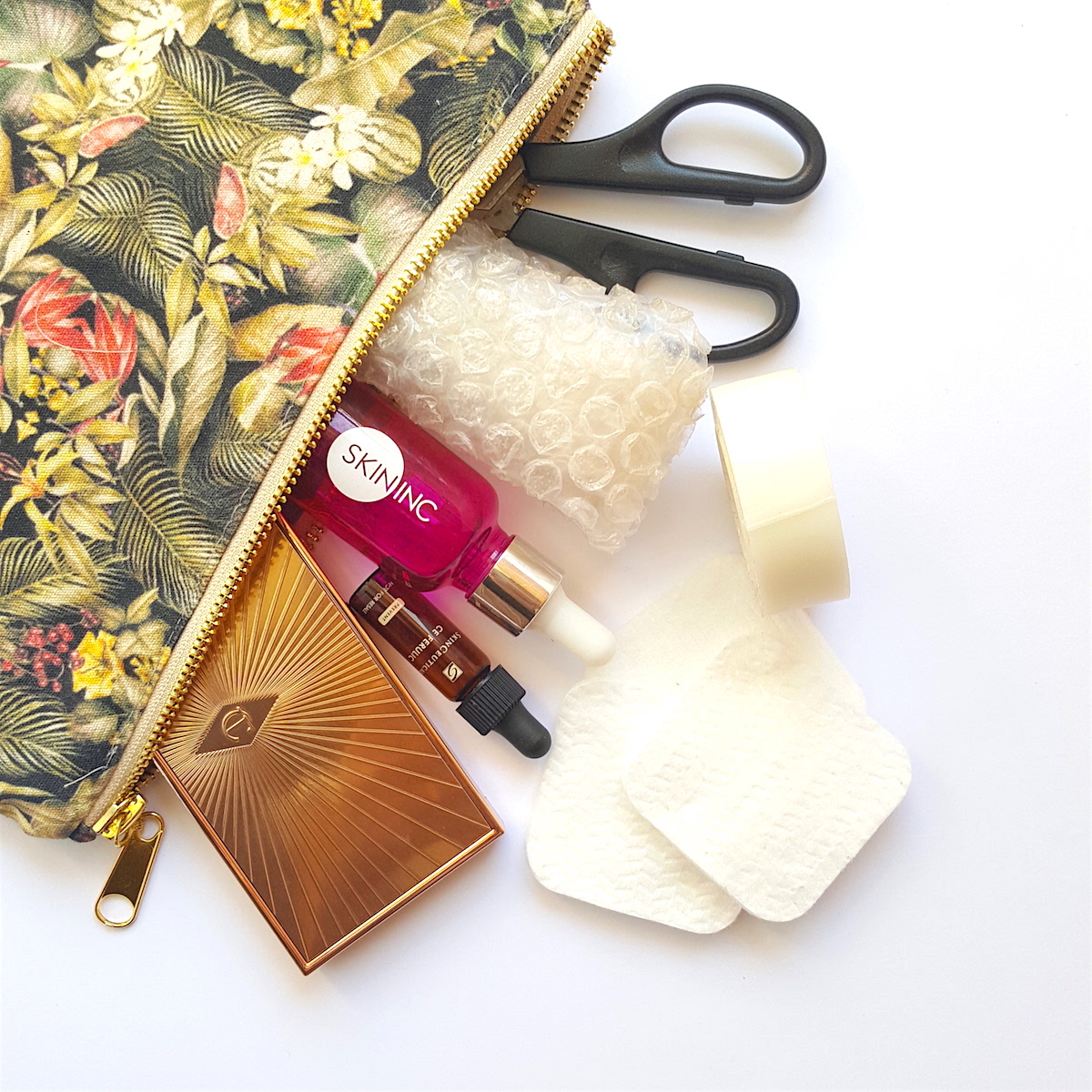 travel packing tips, beauty travel, beauty packing, how to pack your makeup, how to pack your skincare
