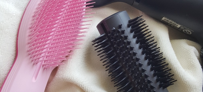 Tangle-Teezer-Blow-Styling-Round-Tool, blow dry your hair at home, best brush for blow drying hair, best hair brush, round blow drying brush
