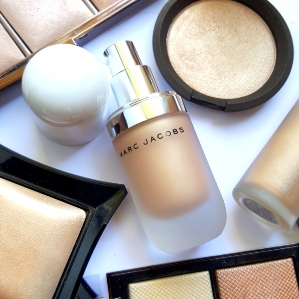 Marc-Jacobs-Dew- Drops-Coconut-Gel Highlighter-review, makeup, highlighter, best highlighters for hot weather, natural highlighter, highlighter for Indian skin tones, NC42-medium-Indian-skintone-highlighter