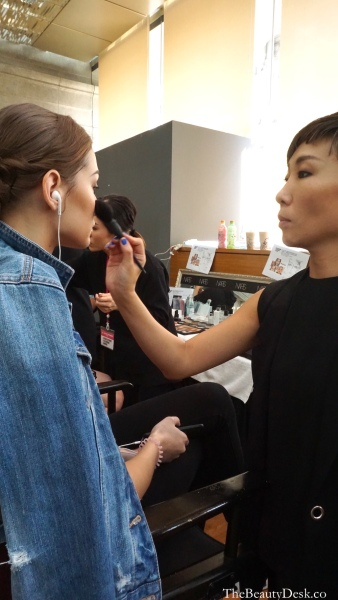 Singapore Fashion Week, backstage beauty, backstage beauty tips, beauty tips, makeup tips, how to do your makeup like a pro, pro makeup artist tips